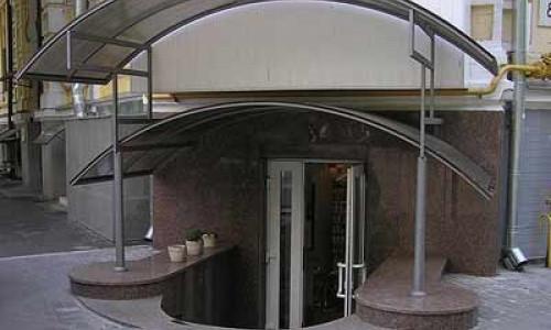 Арочный навес из сотового поликарбоната для офиса СП-7